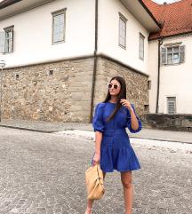 Modra obleka s paskom