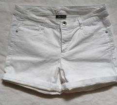 Bele kratke hlače