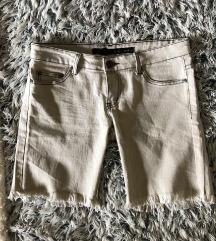 Kratke hlače do kolena