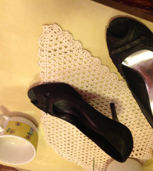 ženski čevlji s petko
