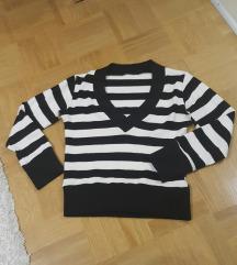 Črtast puloverček
