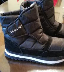 Zimski škornji 43