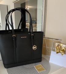 NOVA! Michael Kors Jet Set torbica (črna barva)