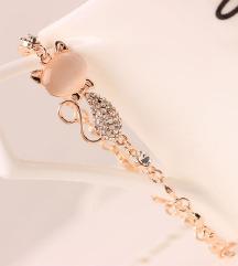 Zapestnica mucek z rose kristalom in cikrončki