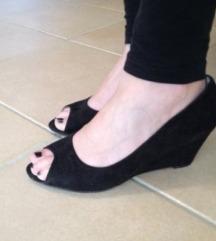 Čevlji z nizko peto 38
