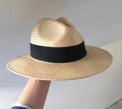 H&M klobuk, nov