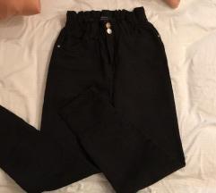 Črne jeans NOVO