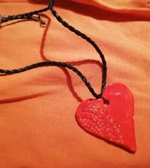 Obesek keramični z odtisom čipke - srček