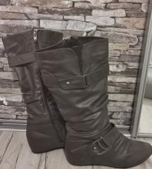 Zimski škornji  s skrito peto 40