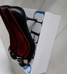 Guess čevlji, salonarji