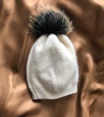 Nova zimska kapa s krznenim cofom