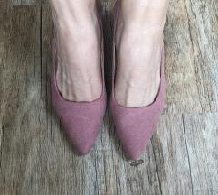 čevlji z peto