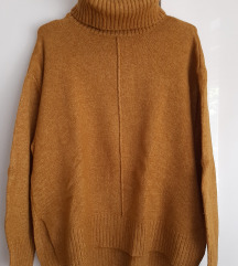 Gorčični pulover z puli ovratnikom
