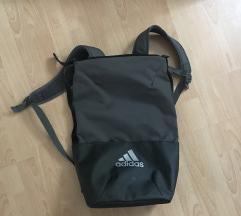 Adidas nahrbtnik