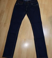 Jeans hlače👖👖👖👖