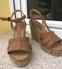 NOVI sandali s polno peto