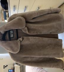 Faux fur jakna / velikost L