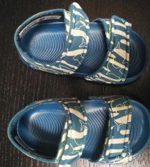 Adidas sandali, št. 20