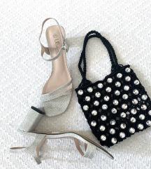 Srebrni sandali s peto