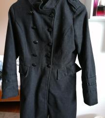 Eleganten črn plašček