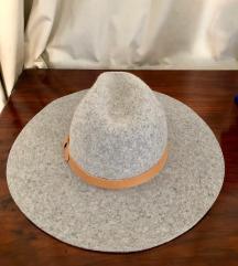 Siv klobuk