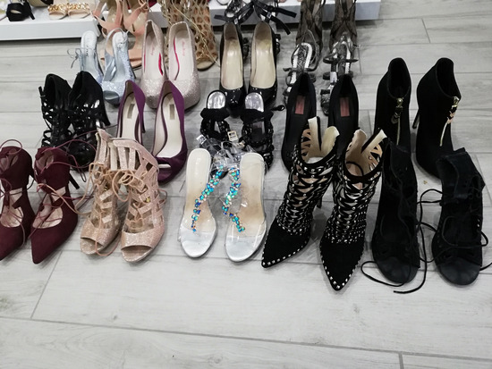 Salonarji in sandali