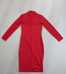 Rdeča obleka s čipko