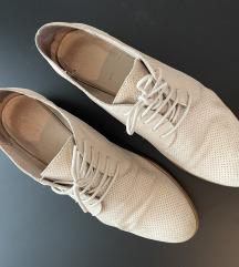 Čevlji BATA