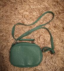 New Look zelena clutch