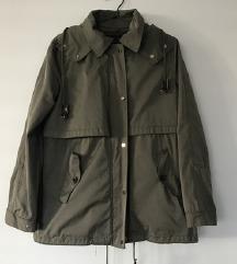 Zara nastavljiva podložena jakna