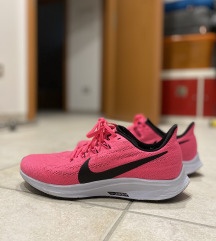 Nike air zoom pegasus 36,      40,5