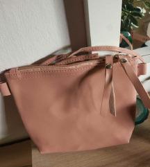Umazano roza torbica
