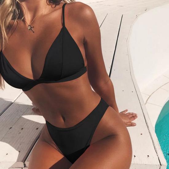 Črn bikini