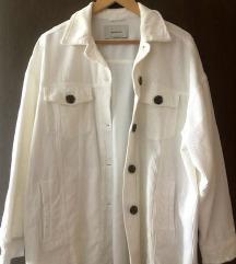 Stradivarius bela jakna