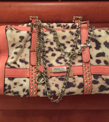 Čudovita GUESS torbica