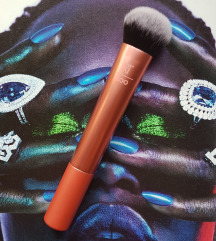 ★ REAL TECHNIQUES Expert Face Brush ★