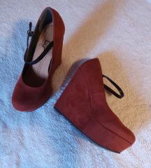 Opečnato rdeči čevlji platforma in polna peta