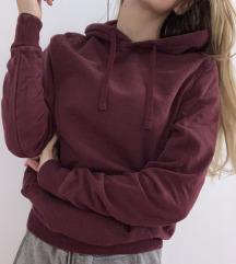 pulover z kapuco