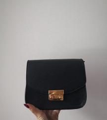 Črna crossbody torbica