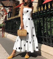 Bela pikčasta maxi obleka na naramnice