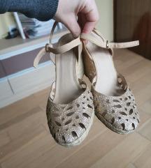 Bata NOVI zlati sandali
