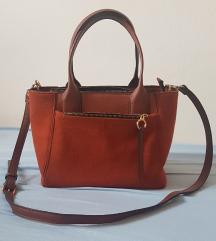 Oranžno rjava srednje velika torbica