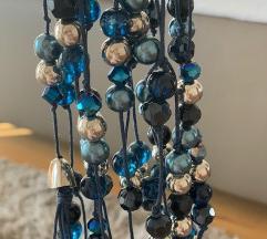 Čudovita modra, bogata verižica.