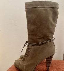 Čevlji/škornji z visoko peto
