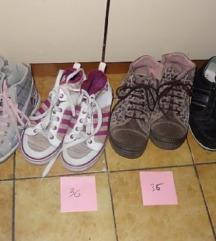 športna obutev ( št. okoli 36)