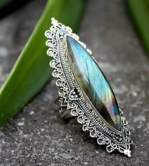 Prstan Labradorit-kristal