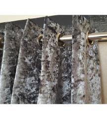 sivo srebrna crushed velvet zavesa