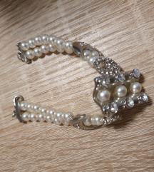 Zapestnica-bele perle