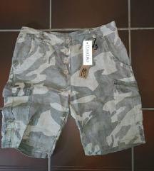 NIKOLI NOŠENE lanene kapri hlače XS/S