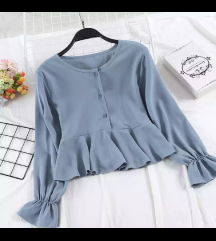 Bluzica svetlo modre barve